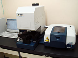 フーリエ変換赤外顕微分光装置